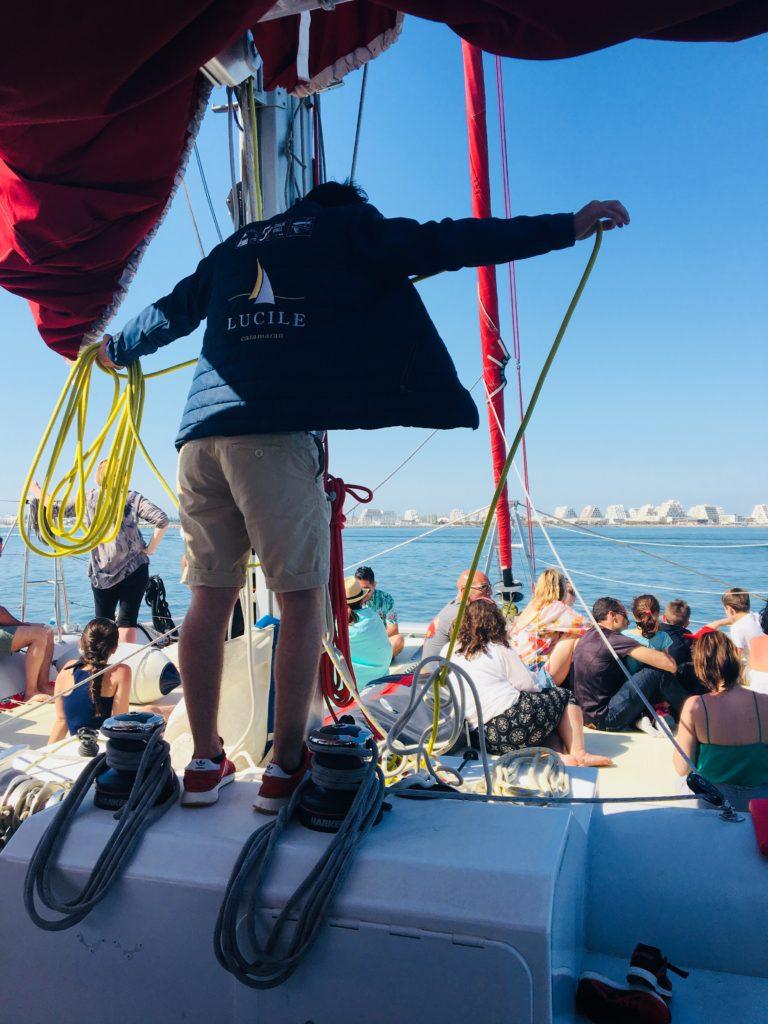 manoeuvre équipage bateau en mer catamaran Lucile 2