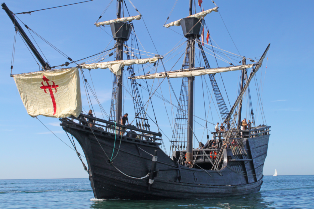 La Nao Victoria arrivant dans le port de La Grande Motte